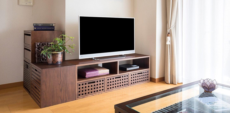 テレビボードとテレビの幅サイズ、壁面幅のバランスについて | a.flat