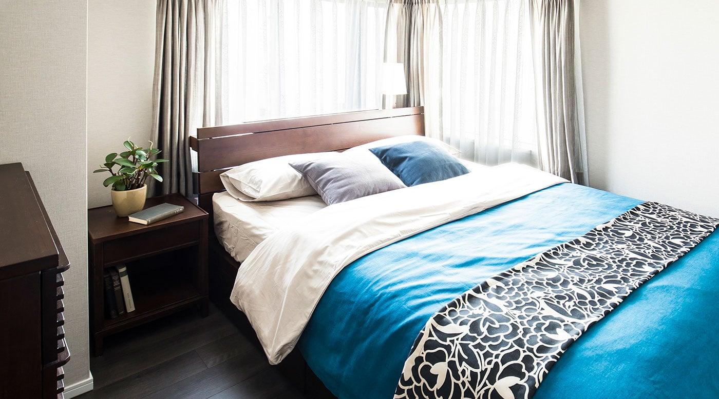 ベッドルーム・寝室の快適なベッド配置とレイアウト例~6畳・8 ...