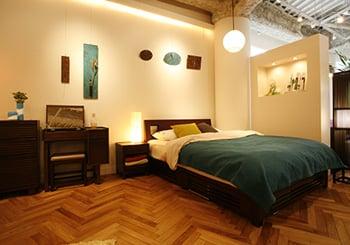 2F SHOW ROOM