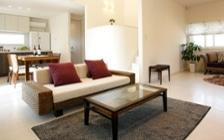 白の陰影が美しいモデルハウスをアジアンリゾート風に演出したインテリアコーディネート実例