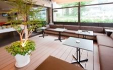 リゾート風のダイニングカフェを実現した家具・インテリアコーディネート実例