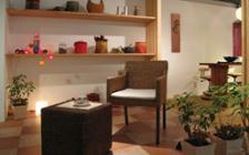 バリアフリーと快適空間をテーマにした企画における家具・インテリア展示実例