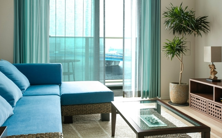 No.96 リバーサイド・ブルーの清涼感あるリゾートコーディネート:画像4
