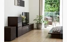 ルーバーデザインの収納家具をメインにレイアウトしたこだわりのリビングルーム:画像9