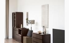 ルーバーデザインの収納家具をメインにレイアウトしたこだわりのリビングルーム:画像6