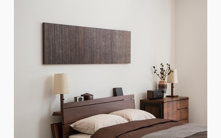 無垢材とアイアン素材が調和した収納家具が映えるインテリア空間:画像11