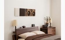 無垢材とアイアン素材が調和した収納家具が映えるインテリア空間:画像10