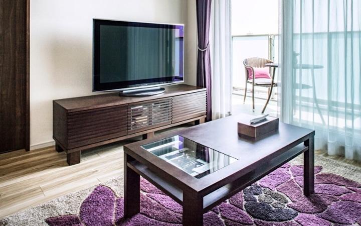 No.104 シックなパープルスタイルが映える都会のマンション空間:画像4