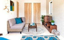 No.112 リゾートテイストに演出した戸建て内のワンルーム風コーディネート:画像4