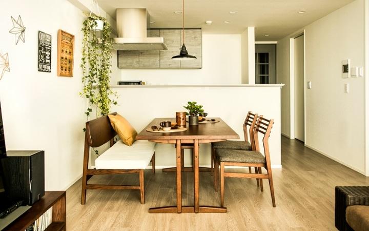 No.119 ダークブラウンのインテリアで統一、おしゃれな二人暮らし空間:画像5