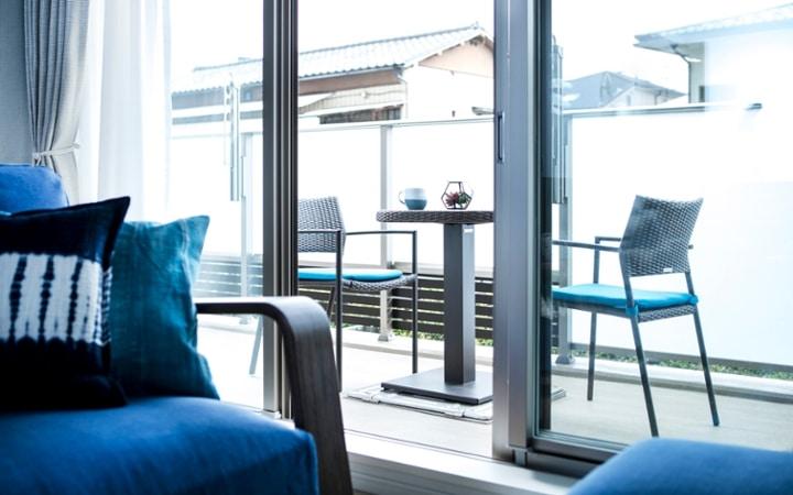 No.127 ブルーが映えるビーチスタイルの西海岸風インテリア ~海のようなリゾート空間をマンションで実現~:画像13