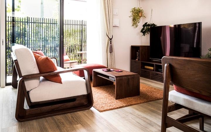 No.129 無垢材の家具でトータルコーディネート ~ぬくもり感じる赤の空間~:画像2