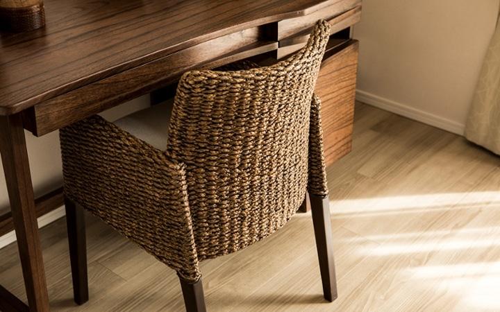 No.129 無垢材の家具でトータルコーディネート ~ぬくもり感じる赤の空間~:画像17